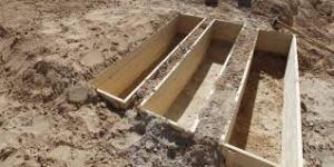 Tombes de Libyens ayant défendu leur pays contre les bombes occidentales, à Misrata, 2011