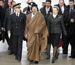 XIII 3 - Accueil à l'aéroport de Paris, par Michèle Alliot-Marie, 10 décembre 2007