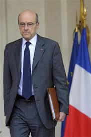 XXIIII 2 - A. Juppé, la France ne fournira pas d'armes aux rebelles libyens, 6 avril 2011. La France bafouera sa parole.