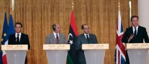 XXXV 1 - N. Sarkozy, M. Abdel Jalil, M. Jibril, D. Cameron, Conférence de presse, Tripoli (Libye), 15 septembre 2011
