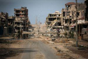 XXXVI 6 - Opération protecteur unifié de l'Otan en Libye, à Syrte le 22 octobre 2011, (Photo Maunu Brabo, 2012)