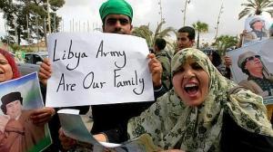III 19. Des Libyennes manifestent à Tripoli, 2011