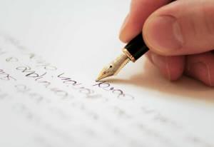 main-ecrivant